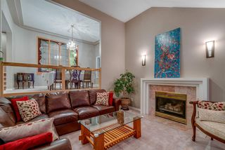 """Photo 10: 571 CLEARWATER Way in Coquitlam: Coquitlam East House for sale in """"River Heights"""" : MLS®# R2215291"""