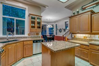 """Photo 12: 571 CLEARWATER Way in Coquitlam: Coquitlam East House for sale in """"River Heights"""" : MLS®# R2215291"""