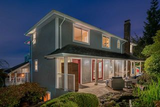 """Photo 5: 571 CLEARWATER Way in Coquitlam: Coquitlam East House for sale in """"River Heights"""" : MLS®# R2215291"""