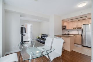 "Photo 3: TH 15 550 TAYLOR Street in Vancouver: Downtown VW Condo for sale in ""The Taylor"" (Vancouver West)  : MLS®# R2219638"