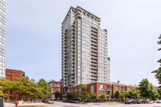 "Photo 1: TH 15 550 TAYLOR Street in Vancouver: Downtown VW Condo for sale in ""The Taylor"" (Vancouver West)  : MLS®# R2219638"