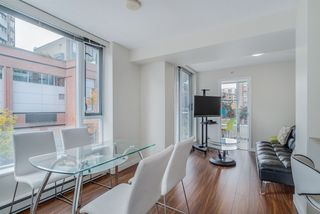 "Photo 4: TH 15 550 TAYLOR Street in Vancouver: Downtown VW Condo for sale in ""The Taylor"" (Vancouver West)  : MLS®# R2219638"