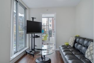 "Photo 5: TH 15 550 TAYLOR Street in Vancouver: Downtown VW Condo for sale in ""The Taylor"" (Vancouver West)  : MLS®# R2219638"