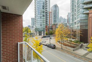"Photo 14: TH 15 550 TAYLOR Street in Vancouver: Downtown VW Condo for sale in ""The Taylor"" (Vancouver West)  : MLS®# R2219638"