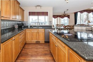 Photo 11: 57 ROYAL RIDGE Hill(S) NW in Calgary: Royal Oak House for sale : MLS®# C4145854
