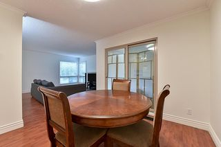Photo 8: 14858 HOLLY PARK Lane in Surrey: Guildford Townhouse for sale (North Surrey)  : MLS®# R2222542