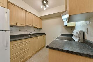 Photo 6: 14858 HOLLY PARK Lane in Surrey: Guildford Townhouse for sale (North Surrey)  : MLS®# R2222542