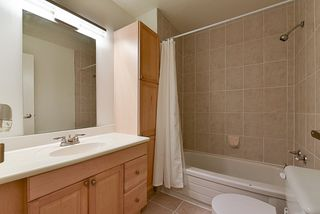 Photo 18: 14858 HOLLY PARK Lane in Surrey: Guildford Townhouse for sale (North Surrey)  : MLS®# R2222542