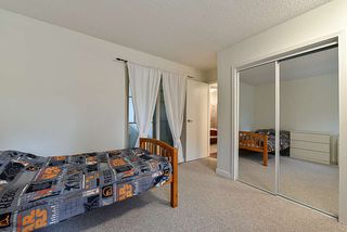 Photo 16: 14858 HOLLY PARK Lane in Surrey: Guildford Townhouse for sale (North Surrey)  : MLS®# R2222542