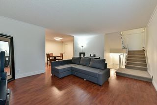 Photo 10: 14858 HOLLY PARK Lane in Surrey: Guildford Townhouse for sale (North Surrey)  : MLS®# R2222542