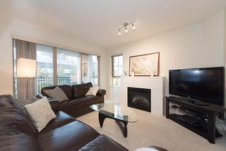 """Photo 4: 204 2088 BETA Avenue in Burnaby: Brentwood Park Condo for sale in """"MEMENTO"""" (Burnaby North)  : MLS®# R2223254"""