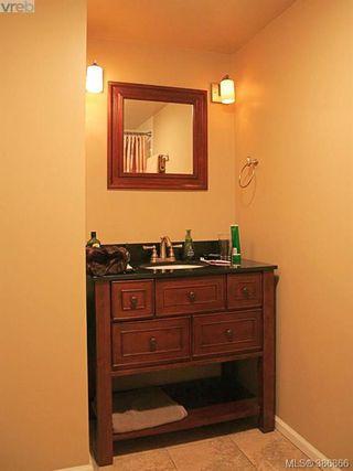 Photo 11: 1207 930 Yates St in VICTORIA: Vi Downtown Condo Apartment for sale (Victoria)  : MLS®# 777401
