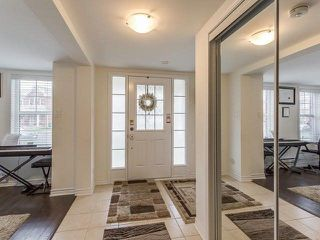 Photo 4: 8 Quillberry Close in Brampton: Northwest Brampton House (3-Storey) for sale : MLS®# W4055942