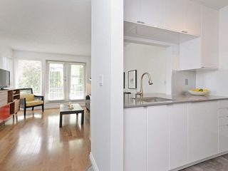 Photo 10: 101 659 E 8TH AVENUE in Vancouver: Mount Pleasant VE Condo for sale (Vancouver East)  : MLS®# R2262284