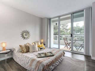 Photo 14: 401 69 JAMIESON Court in New Westminster: Fraserview NW Condo for sale : MLS®# R2267317