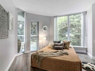 Photo 15: 401 69 JAMIESON Court in New Westminster: Fraserview NW Condo for sale : MLS®# R2267317