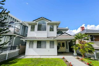 Photo 1: 4333 TRIUMPH Street in Burnaby: Vancouver Heights House for sale (Burnaby North)  : MLS®# R2285284