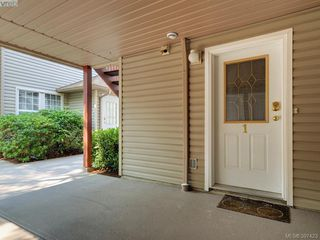 Photo 2: 1 2711 Jacklin Rd in VICTORIA: La Langford Proper Row/Townhouse for sale (Langford)  : MLS®# 794950