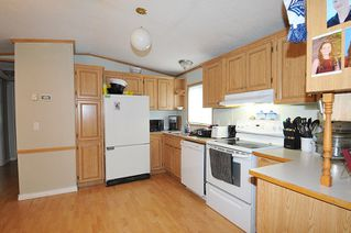 """Photo 7: 19728 POPLAR Place in Pitt Meadows: Central Meadows Manufactured Home for sale in """"MEADOW HIGHLANDS"""" : MLS®# R2318087"""