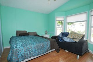 """Photo 15: 19728 POPLAR Place in Pitt Meadows: Central Meadows Manufactured Home for sale in """"MEADOW HIGHLANDS"""" : MLS®# R2318087"""