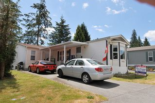 """Photo 2: 19728 POPLAR Place in Pitt Meadows: Central Meadows Manufactured Home for sale in """"MEADOW HIGHLANDS"""" : MLS®# R2318087"""