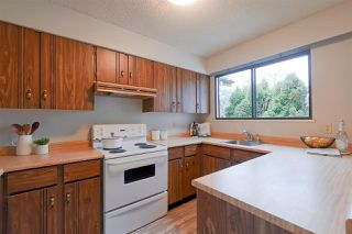 Photo 3: 4258 ONTARIO Street in Vancouver: Main House for sale (Vancouver East)  : MLS®# R2327843