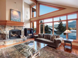 Main Photo: 3366 OSPREY Place in Whistler: Blueberry Hill House for sale : MLS®# R2334184