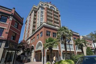 "Main Photo: 1102 680 CLARKSON Street in New Westminster: Downtown NW Condo for sale in ""THE CLARKSON"" : MLS®# R2334856"