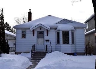 Photo 1: 854 Dudley Avenue in Winnipeg: Crescentwood Residential for sale (1B)  : MLS®# 1904508
