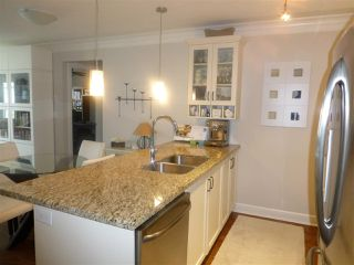 "Photo 14: PH1 15357 ROPER Avenue: White Rock Condo for sale in ""REGENCY COURT"" (South Surrey White Rock)  : MLS®# R2366070"