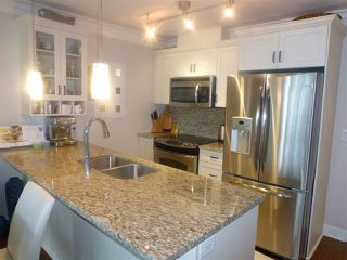 "Photo 6: PH1 15357 ROPER Avenue: White Rock Condo for sale in ""REGENCY COURT"" (South Surrey White Rock)  : MLS®# R2366070"