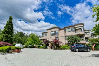 """Photo 2: 303 78 RICHMOND Street in New Westminster: Fraserview NW Condo for sale in """"Governor's Court"""" : MLS®# R2366411"""