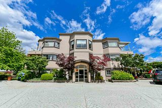 """Photo 3: 303 78 RICHMOND Street in New Westminster: Fraserview NW Condo for sale in """"Governor's Court"""" : MLS®# R2366411"""