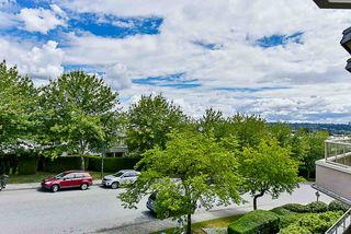 """Photo 19: 303 78 RICHMOND Street in New Westminster: Fraserview NW Condo for sale in """"Governor's Court"""" : MLS®# R2366411"""