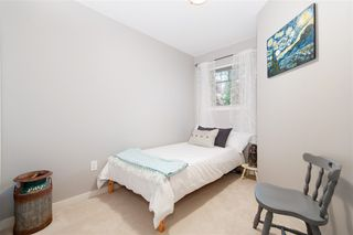 "Photo 10: 72 2000 PANORAMA Drive in Port Moody: Heritage Woods PM Townhouse for sale in ""Mountain's Edge"" : MLS®# R2367552"