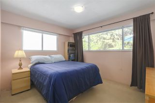 "Photo 10: 1977 CALEDONIA Avenue in North Vancouver: Deep Cove House for sale in ""The Cove!"" : MLS®# R2367947"