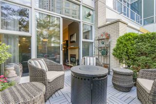 "Main Photo: 123 AQUARIUS Mews in Vancouver: Yaletown Townhouse for sale in ""MARINASIDE RESORTS"" (Vancouver West)  : MLS®# R2369790"