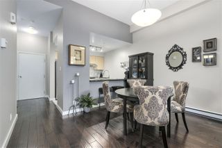 """Photo 4: 123 AQUARIUS Mews in Vancouver: Yaletown Townhouse for sale in """"MARINASIDE RESORTS"""" (Vancouver West)  : MLS®# R2369790"""