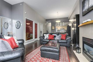 """Photo 3: 123 AQUARIUS Mews in Vancouver: Yaletown Townhouse for sale in """"MARINASIDE RESORTS"""" (Vancouver West)  : MLS®# R2369790"""