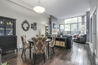 """Photo 5: 123 AQUARIUS Mews in Vancouver: Yaletown Townhouse for sale in """"MARINASIDE RESORTS"""" (Vancouver West)  : MLS®# R2369790"""