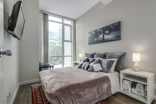 """Photo 12: 123 AQUARIUS Mews in Vancouver: Yaletown Townhouse for sale in """"MARINASIDE RESORTS"""" (Vancouver West)  : MLS®# R2369790"""
