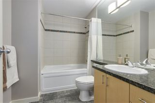 """Photo 13: 123 AQUARIUS Mews in Vancouver: Yaletown Townhouse for sale in """"MARINASIDE RESORTS"""" (Vancouver West)  : MLS®# R2369790"""