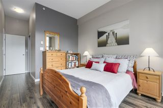 """Photo 10: 123 AQUARIUS Mews in Vancouver: Yaletown Townhouse for sale in """"MARINASIDE RESORTS"""" (Vancouver West)  : MLS®# R2369790"""
