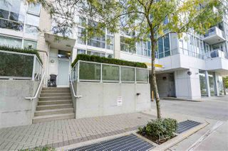 """Photo 15: 123 AQUARIUS Mews in Vancouver: Yaletown Townhouse for sale in """"MARINASIDE RESORTS"""" (Vancouver West)  : MLS®# R2369790"""