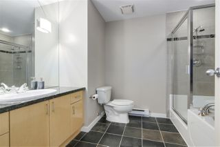 """Photo 11: 123 AQUARIUS Mews in Vancouver: Yaletown Townhouse for sale in """"MARINASIDE RESORTS"""" (Vancouver West)  : MLS®# R2369790"""