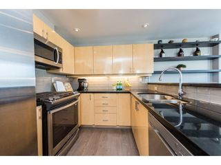 "Photo 7: 3501 939 HOMER Street in Vancouver: Yaletown Condo for sale in ""THE PINNACLE"" (Vancouver West)  : MLS®# R2375975"