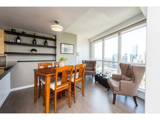 "Photo 6: 3501 939 HOMER Street in Vancouver: Yaletown Condo for sale in ""THE PINNACLE"" (Vancouver West)  : MLS®# R2375975"