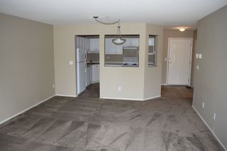"""Photo 4: 403 31831 PEARDONVILLE Road in Abbotsford: Abbotsford West Condo for sale in """"West Point Villa"""" : MLS®# R2377518"""