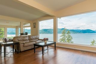 Photo 2: 6981 HYCROFT Road in West Vancouver: Whytecliff House for sale : MLS®# R2385862