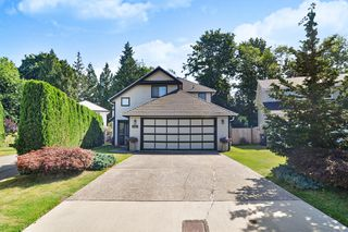 Photo 1: 9416 205B Street in Langley: Walnut Grove House for sale : MLS®# R2391481